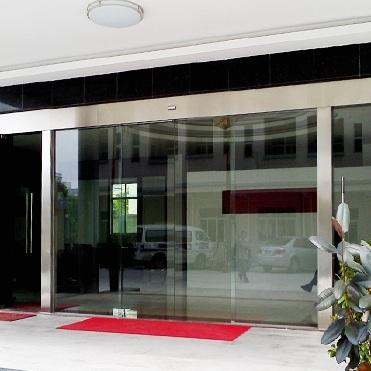成都玻璃平移自动门案例
